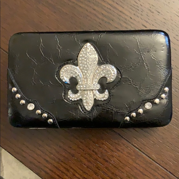 33ea30e8d Bags | Nwot Fleurdelis Wallet | Poshmark